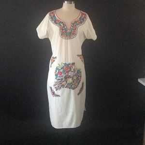 Vintage embroidered beautiful dress! One size